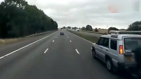 史上各种惨烈车祸,看完吓得我以后不敢开车了