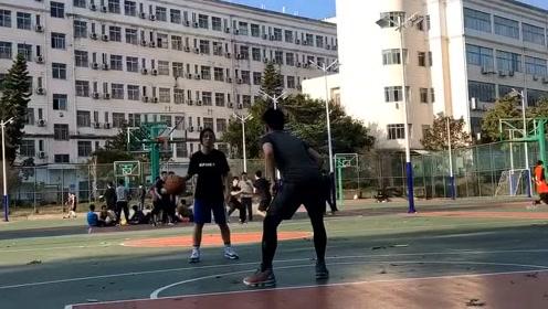 天气真好,热爱篮球,现在打球的小姐姐都很厉害!