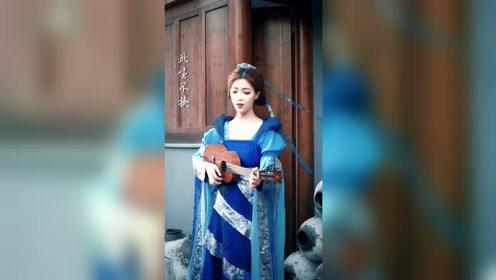 这是谁家的小姐姐,太优秀了,一首《生生世世爱》唱的太迷人了!