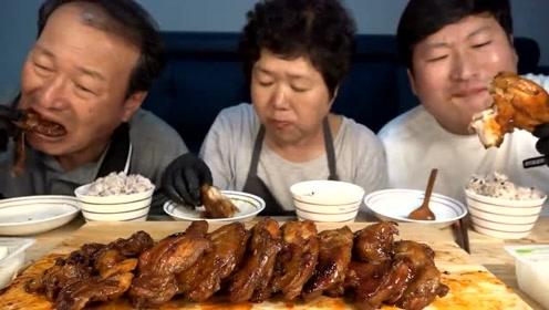 韩国农村家庭吃饭,一桌大鸡腿,吃得太得劲了,忍住别流口水