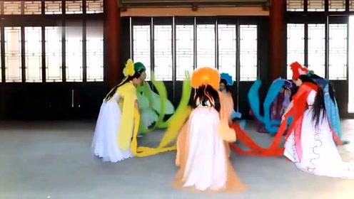 素人扮七仙女,看造型和摆拍后,网友:我以为是西游记里的蜘蛛精