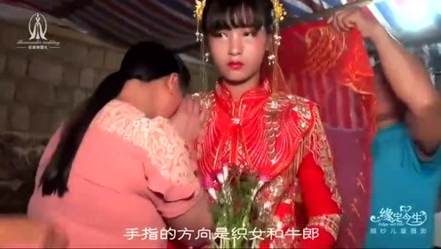 农村姑娘出嫁,这位妈妈哭的太伤心了,看着好心酸
