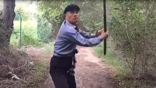 农村60岁老大爷习练家传棍术,看架势身手不错,一般人难近其身