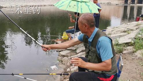 """钓鱼界的""""世纪难题""""——双竿钓鱼,为何老是同一根鱼竿上鱼?"""