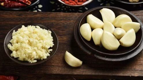夏季每顿饭吃几瓣大蒜,半个月身体发生改变