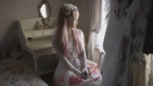 日本女孩痴迷芭比娃娃,9年内耗资百万改造自己,如今像恐怖片!