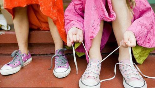 宝妈们注意了,这样的鞋子千万不能给孩子穿,这是孩子走路的负担