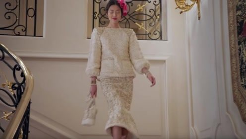 """香奈儿秀,刘雯和孙菲菲衣服都穿""""反""""了,一出场却惊艳了观众"""