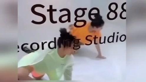 李湘晒女儿一对一学舞视频 王诗龄态度认真学得像模像样