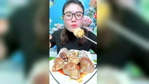 海鲜大姐吃海螺,这吃相太豪爽了!
