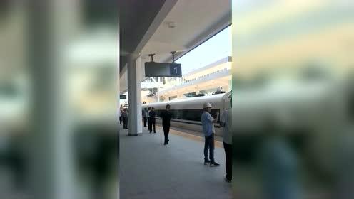 河南平顶山:今日高铁通了,去重庆吃火锅仅需5个小时