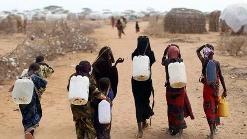 世界上缺水的国家,一盆水洗一周的衣服,几乎很久都洗不了澡