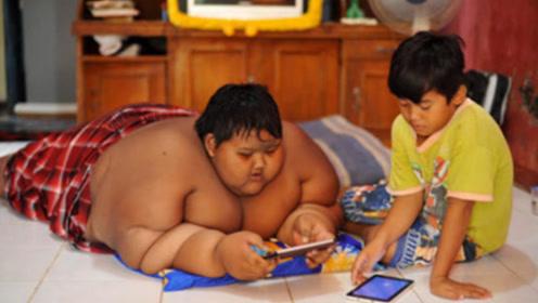 世界上减肥最成功的男孩,一年减掉204斤,瘦身后却让人心酸