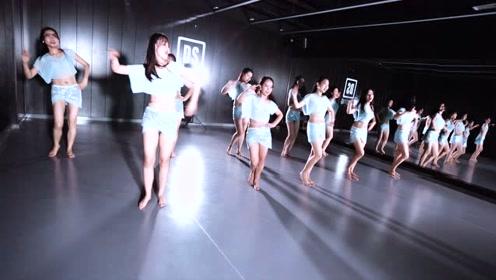 会跳东方舞的小姐姐怎么吃都不胖