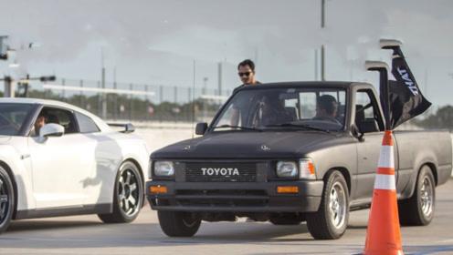 老外给皮卡换装丰田名机,一脚油门竟然拿下了GTR,这么优秀?