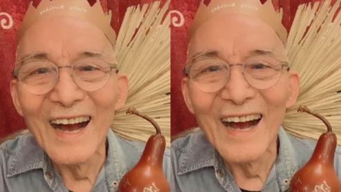 """""""济公""""游本昌再现当年经典造型,晒视频庆祝自己86岁大寿"""