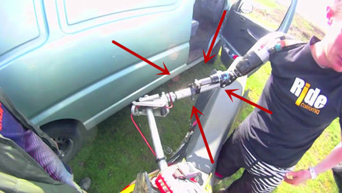 一只手也能骑摩托?小伙因车祸失去右手,却成就最速单手骑士!