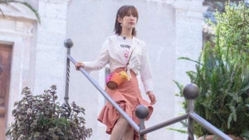元气美少女杨紫,解锁初秋少女穿搭,身穿荷叶边半裙好美