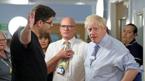 又被怼!英首相参观医院 一男子直言:你来这里就为了上新闻