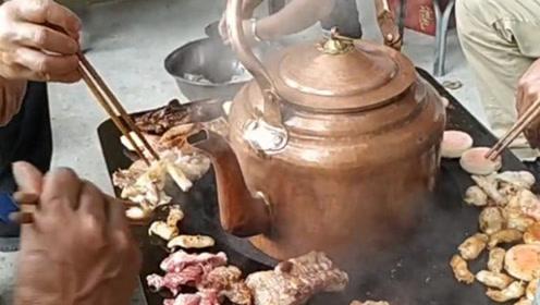 只要思想不滑坡,方法总比困难多,农村人的烤肉!