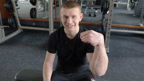 腕力界的左手怪物,年纪轻轻就击败重量级选手,却因一场车祸毁了