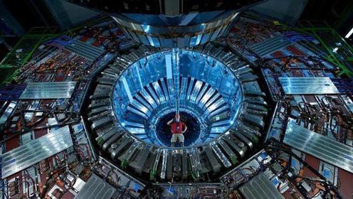 为什么中国没必要建造大型强子对撞机?来看看杨振宁怎么说