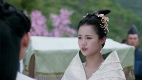 她是被赵丽颖一手带红的,真人很瘦很好看,很多人的小可爱