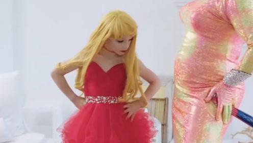 """世界上最小的""""女装大佬"""",年仅8岁却美得妖娆,妹子自愧不如!"""
