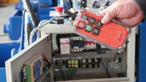 小伙发明混凝土泵,远程遥控省时省力,效率是8个熟练工的30倍