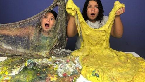 姐妹俩作死恶搞,DIY神奇史莱姆,这么大的水晶泥你见过吗?