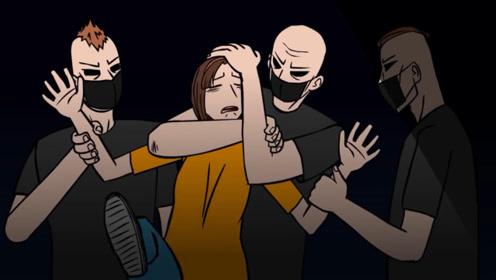 女孩半夜去加油站,被几名大汉绑架塞进车里,最后侥幸逃过一劫!
