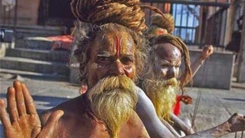 印度苦行僧有多苦?看完不敢相信,做到这样都在坚持