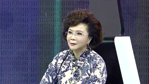 同是55岁的蔡明和宋丹丹,两人同框大秀身材,谁惊艳谁惊吓?