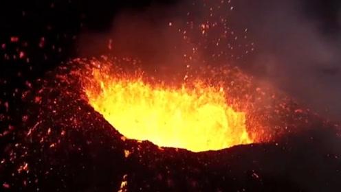 将煤气罐扔进火山会怎样?老外作死实验,结果出乎意料