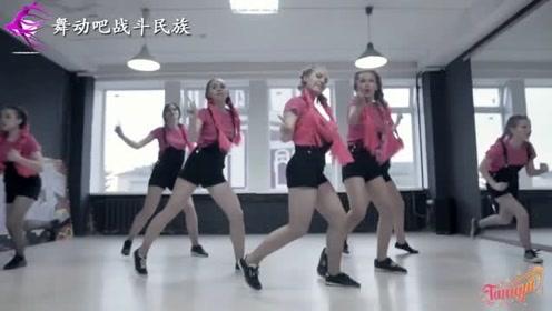 战斗民族少女们跳街舞就有这个水平,网友:长大之后不得了啊