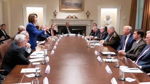 """佩洛西白宫会晤特朗普 被骂""""三流政客""""中途退场"""