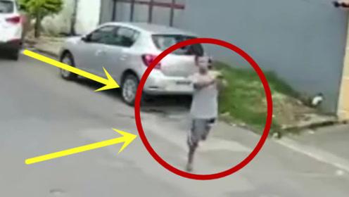一条腿了还出来抢劫,真是不作不死,监控拍下全过程!