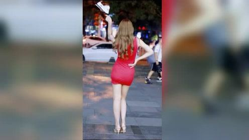 北京街头遇到的网红小姐姐,据说这身材不胖,叫微胖对吗?