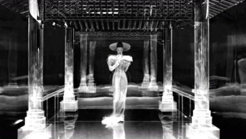 赵丽颖新封面穿3D透视长裙  网友:这套衣服范冰冰也穿过