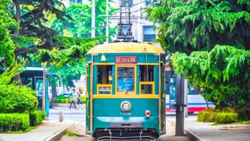 110岁高龄的大连有轨电车,惊艳了岁月,成为一道靓丽风景