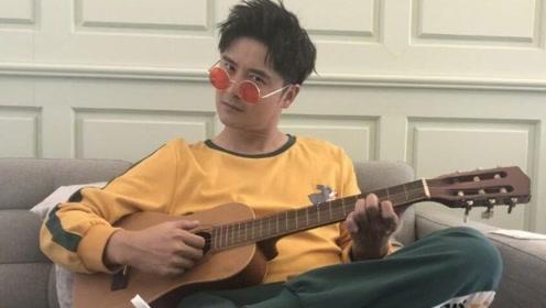 田亮戴墨镜弹吉他COS摇滚巨星 竟意外撞脸沈腾