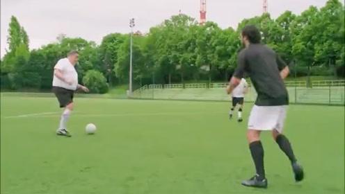 一起来踢足球啊