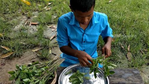 印度农村下等人生活心酸,每顿饭菜都做成这样,看上去让人心酸!