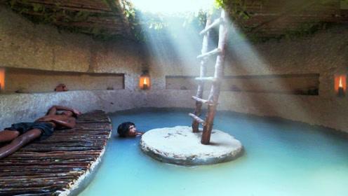 城里房子买不起,小伙在地下掏出豪华泳池,还自带别墅的那种!