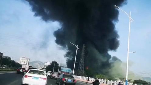 汕头一棉花厂发生火灾 现场火势凶猛过火面积达500平米
