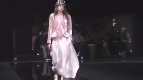 奢侈品牌Emporio Armani 2020春夏女装系列时装秀