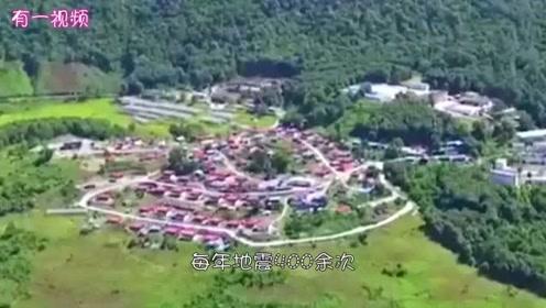 中国最后一个通公路的县城,最难修的一条公路,前后整整用了50年