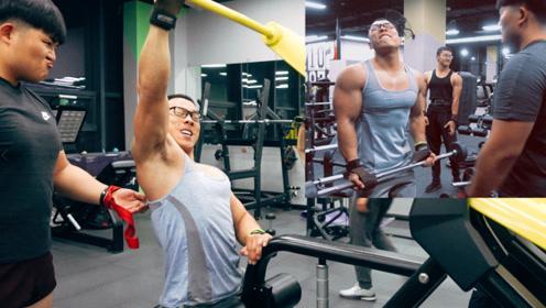 """""""背+手臂二头""""训练没试过?进阶训练,被健身房朋友说不要命啦"""