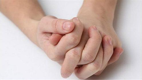 锻炼大脑手指操,这4个动作每天坚持做,养身又健脑,提高反应力