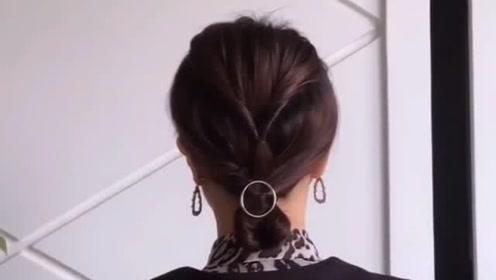 超级洋气的韩式低马尾,适合居家妈妈的发型,简单易上手